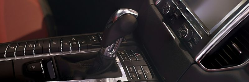 Manual gearshift in high end car